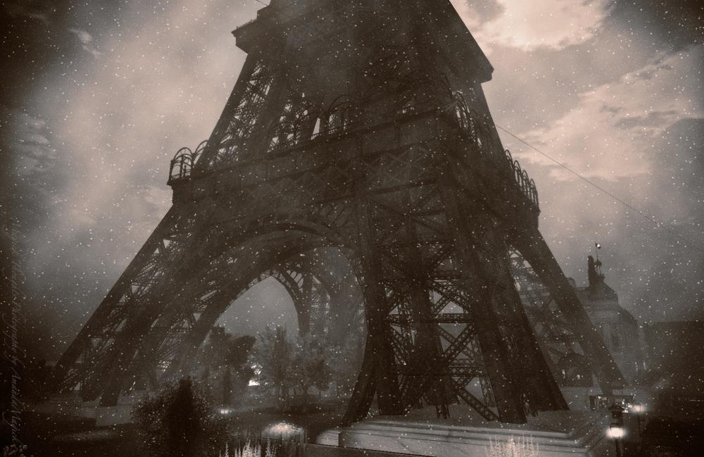 EiffelFirstSnow