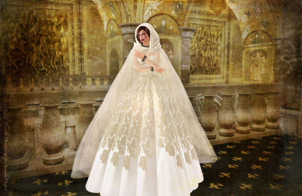 LeLouvreWeddingGown&Cape1